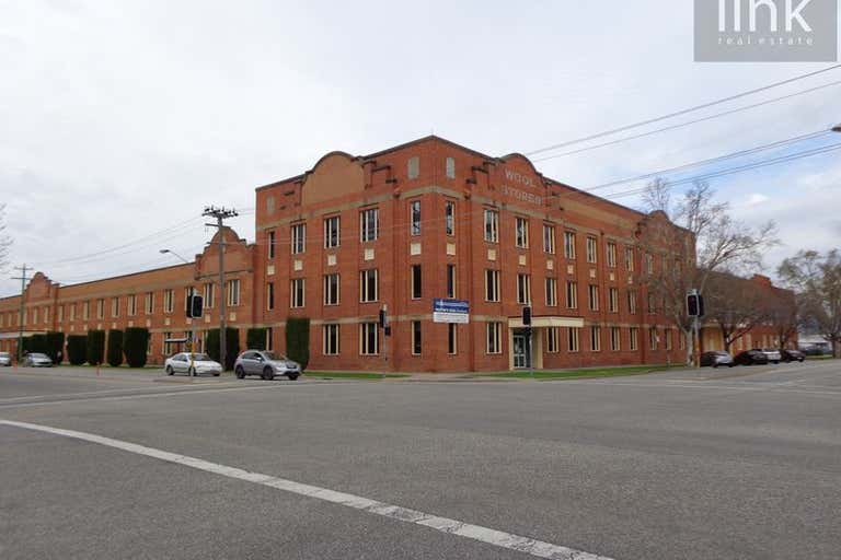 2/567 Smollett Street Albury NSW 2640 - Image 1
