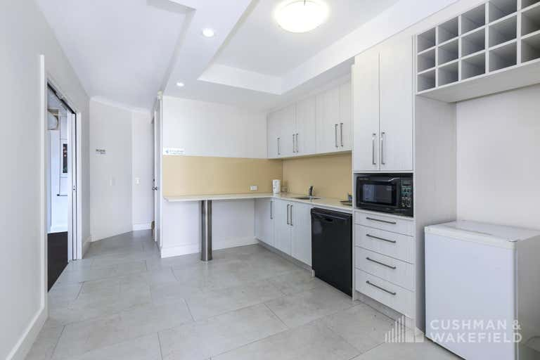 1 Vespa Crescent Bundall QLD 4217 - Image 3