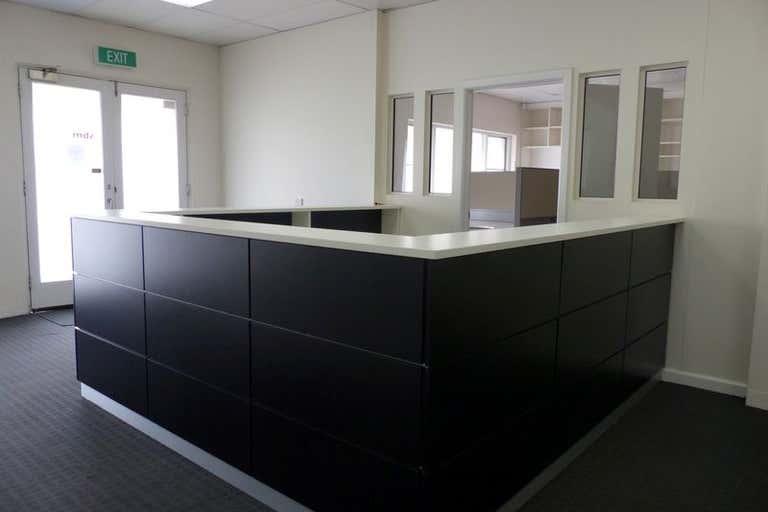 3 & 4, 622 Macauley Street Albury NSW 2640 - Image 2
