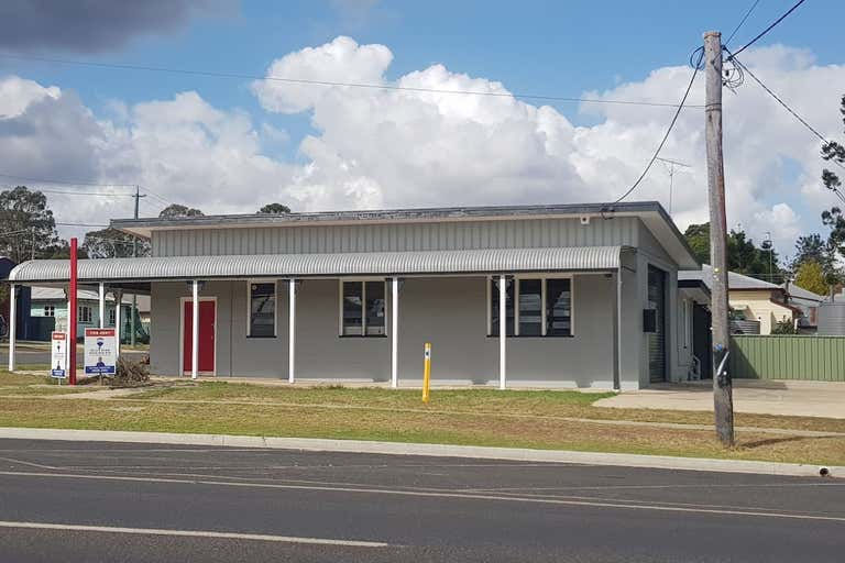 22 Toowoomba Road Crows Nest QLD 4355 - Image 1