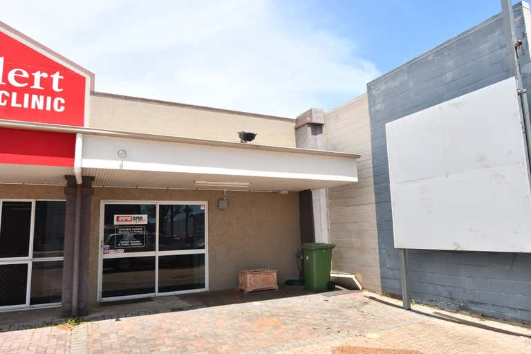 Unit 2, 235 Charters Towers Road Mysterton QLD 4812 - Image 1
