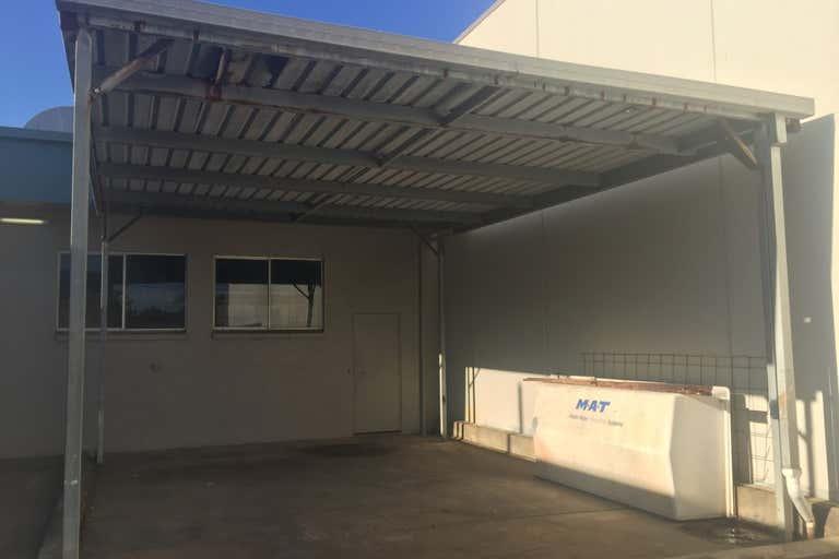 4/21  Allen Street Moffat Beach QLD 4551 - Image 3