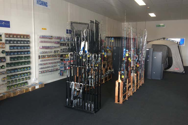 SHOWROOM or OFFICE WITH FRONT AND REAR ACCESS, 4/2 Murdoch Road South Morang VIC 3752 - Image 3