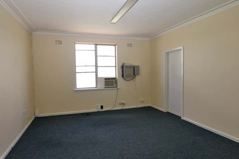 Room 15, 120 Fitzmaurice Street Wagga Wagga NSW 2650 - Image 2