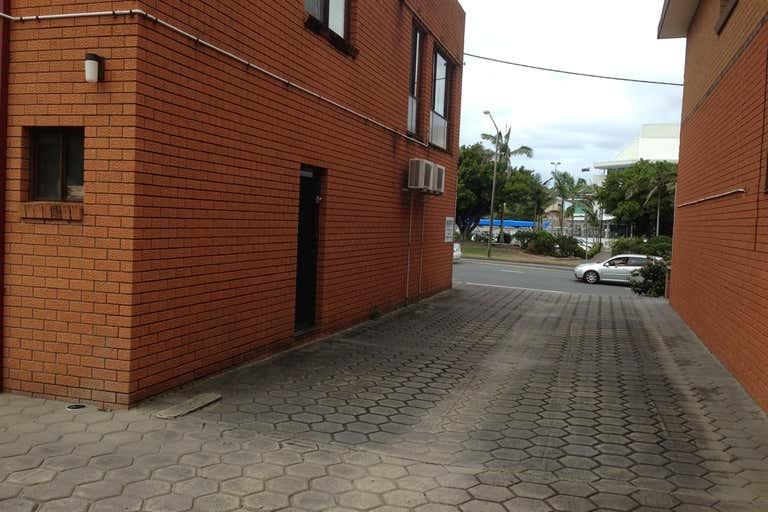 2/117 Wharf Street Tweed Heads NSW 2485 - Image 3