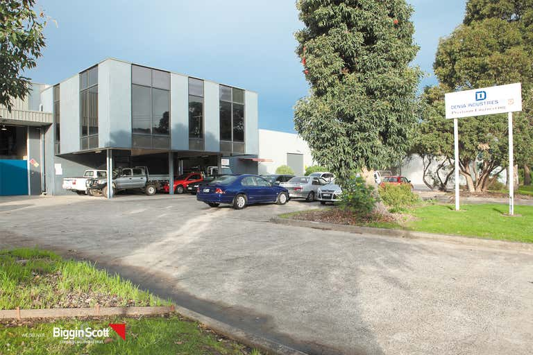51 Gilbert Park Drive Knoxfield VIC 3180 - Image 2