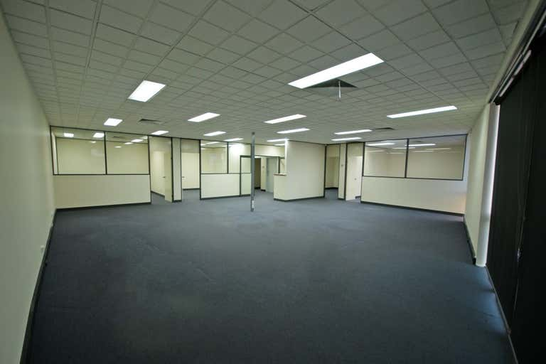 Suite 3, Level 1, 318 Urana Road Lavington NSW 2641 - Image 4