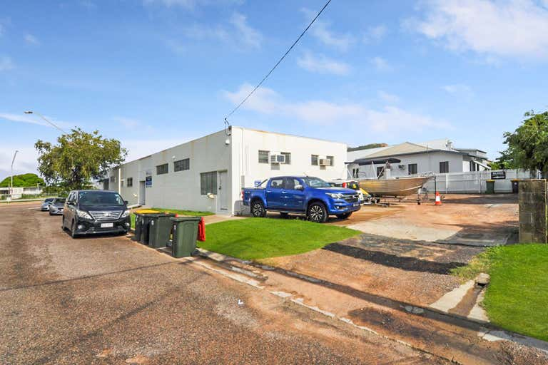 1/9 Railway Avenue Railway Estate QLD 4810 - Image 2