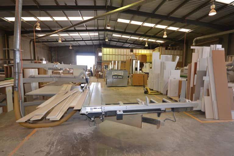 9 Tradewinds Court Glenvale QLD 4350 - Image 2
