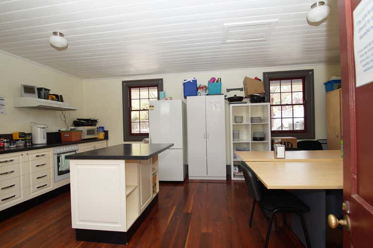 94 Rusden Street Armidale NSW 2350 - Image 2