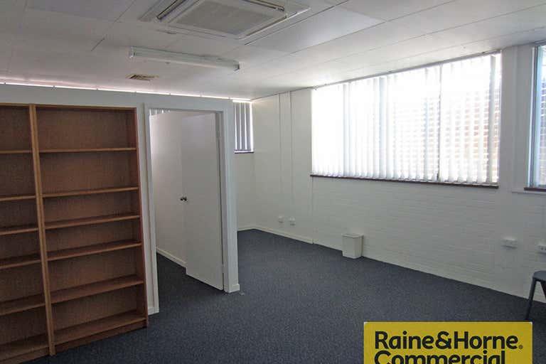 Suite 1/32 Hayward Street Stafford QLD 4053 - Image 4