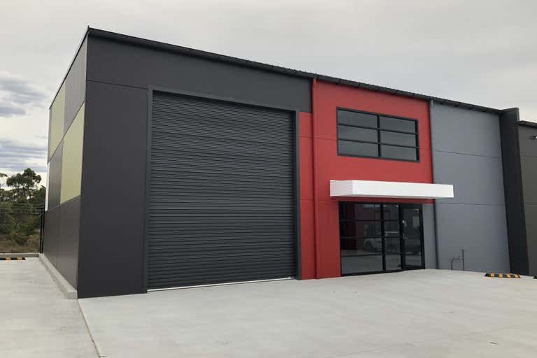 2/77 Stenhouse Drive Cameron Park NSW 2285 - Image 1