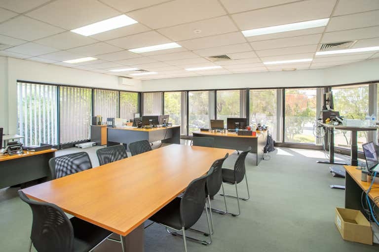 2/4 Packard Ave Castle Hill NSW 2154 - Image 4