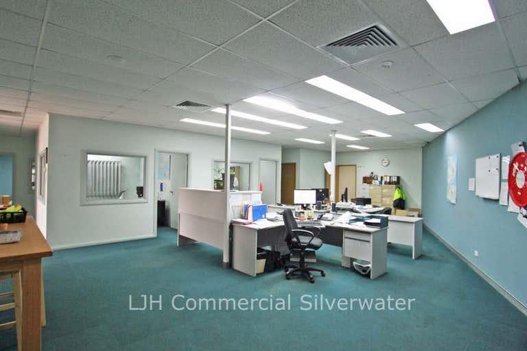 8 Hexham Place Wetherill Park NSW 2164 - Image 4