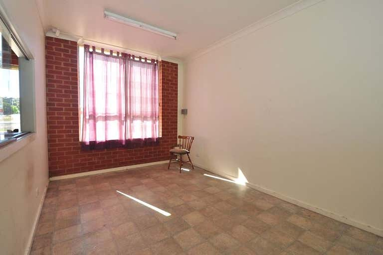 233 Woodward Road Golden Square VIC 3555 - Image 3