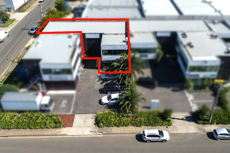2/17 Orange Street Williamstown VIC 3016 - Image 2