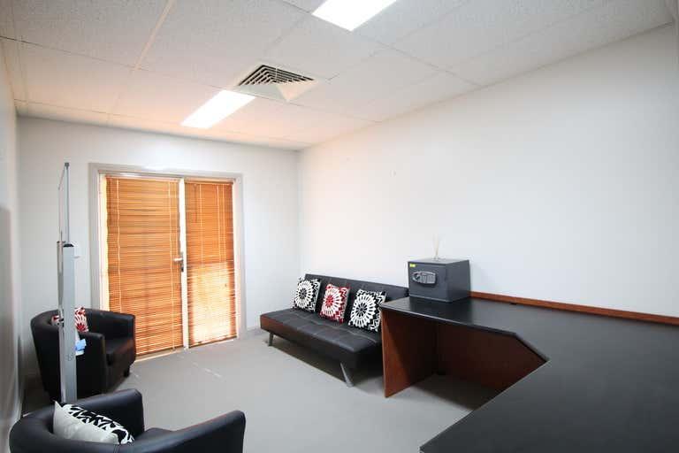 10/25 Isabel Street Toowoomba City QLD 4350 - Image 3