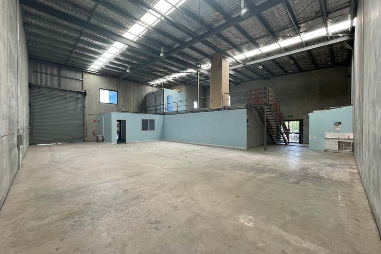 10/1 Stockwell Place Archerfield QLD 4108 - Image 2