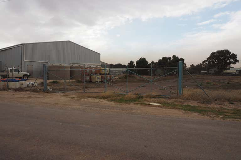 Section 427 Wake Road Cleve SA 5640 - Image 2