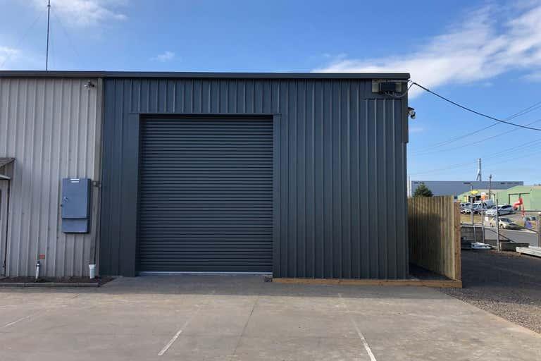 1/28 Wood Street South Geelong VIC 3220 - Image 4