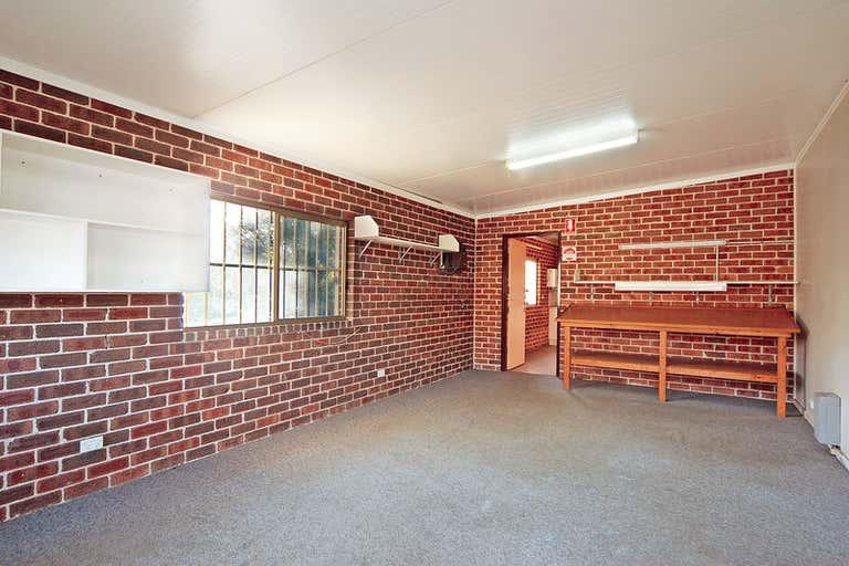 1/7 Gesham Way Bomaderry NSW 2541 - Image 2
