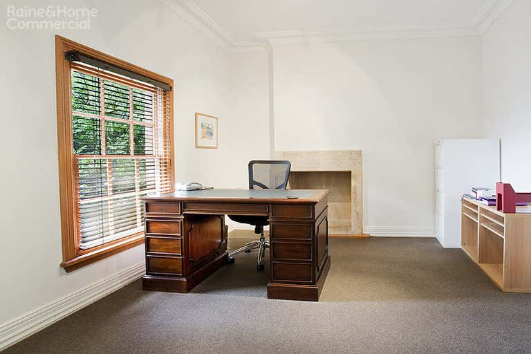 Woodstock Cottage, 1/172 Pacific Highway North Sydney NSW 2060 - Image 4