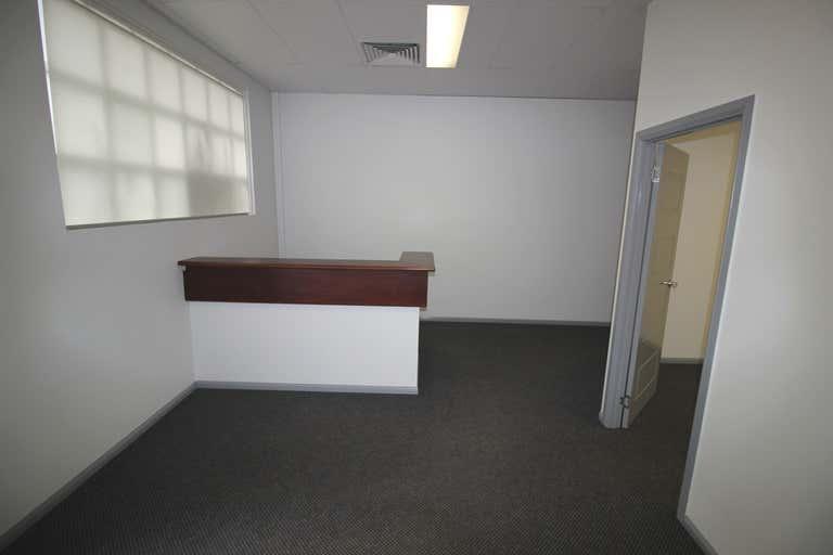 21/12-14 Lake Street Cairns City QLD 4870 - Image 3