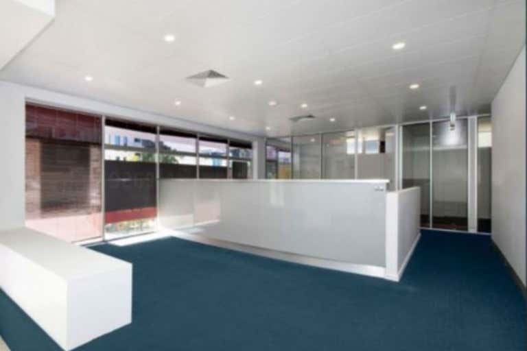 32 Walker Street Townsville City QLD 4810 - Image 3