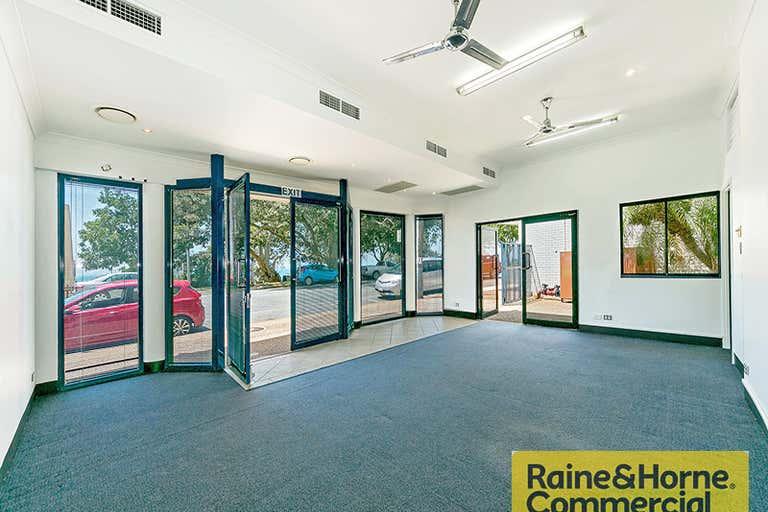 1/93 Marine Street Redcliffe QLD 4020 - Image 3