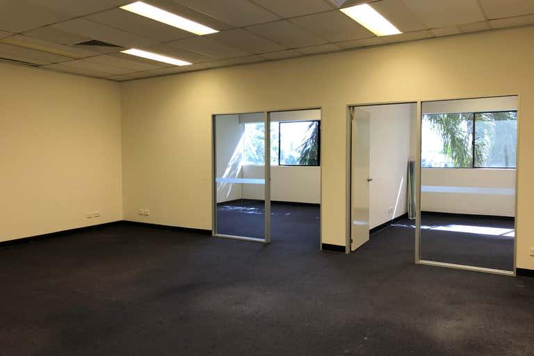 2B/109 Upton Street Bundall QLD 4217 - Image 2