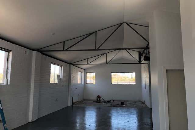 RENOVATED THROUGHOUT LOFT STYLE CREATIVE SPACE  - Image 4