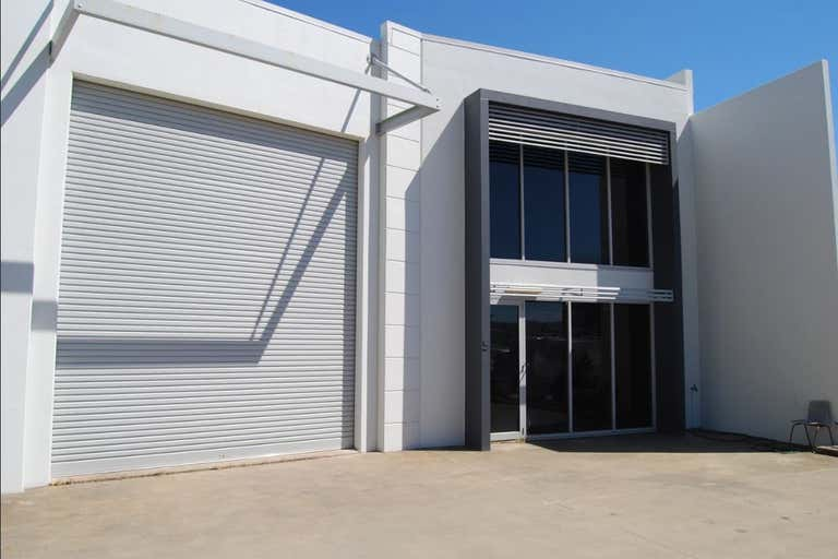 5/8 Myer Lasky Drive Cannonvale QLD 4802 - Image 1