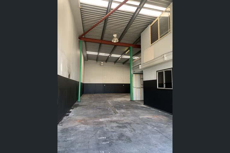 1/4 Moonbi Street Brendale QLD 4500 - Image 2