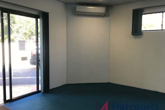 1C/465 Oxley Drive Runaway Bay QLD 4216 - Image 2
