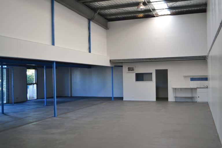 1/15 Hutchinson Street Burleigh Heads QLD 4220 - Image 3