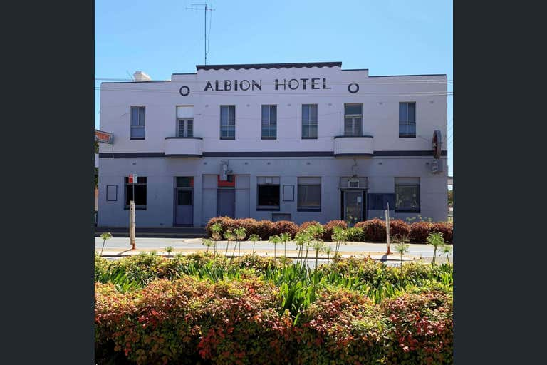ALBION HOTEL FINLEY - HOTEL AND DRIVE THROUGH BOTTLE SHOP, 155-161 Murray Street Finley NSW 2713 - Image 2