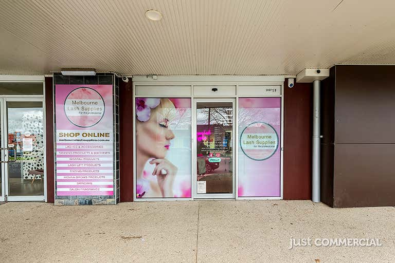 19/18-36 Lakeside Boulevard Pakenham VIC 3810 - Image 2