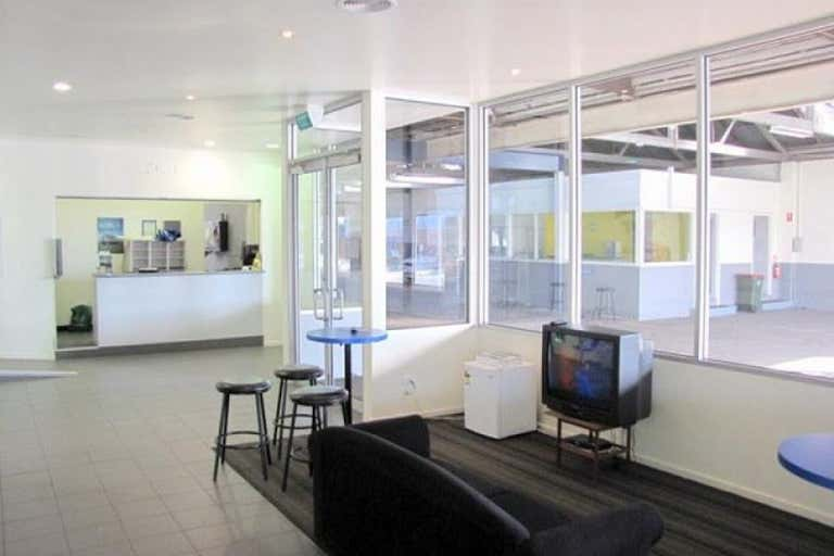 Parkers, 224 Murray Street Colac VIC 3250 - Image 3