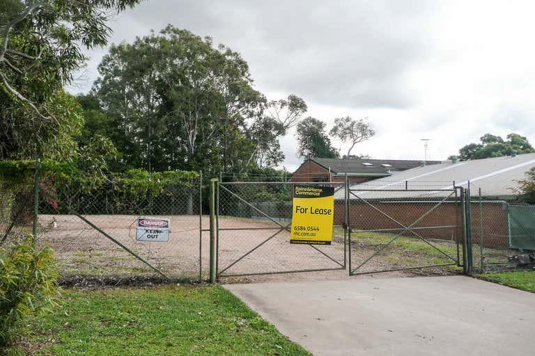 (L) Tenancy 3, Fenced Yard - 15 Merrigal Road Port Macquarie NSW 2444 - Image 1