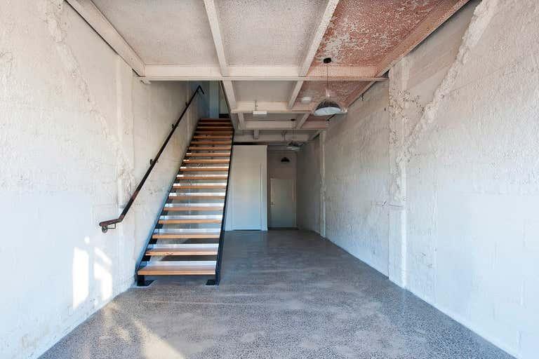 5/2D, Corner of Parker Street Footscray VIC 3011 - Image 2