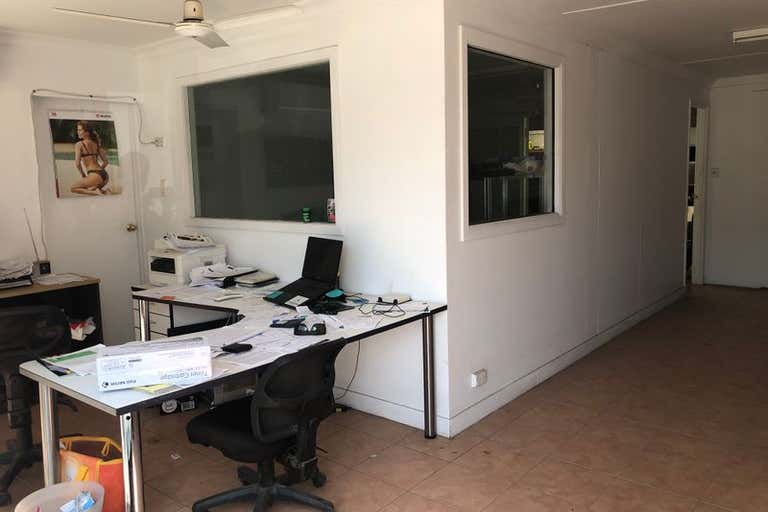 3/1 Keller Crescent Carrara QLD 4211 - Image 4