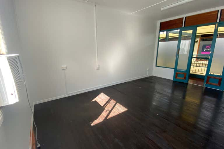 1A/54 Bourbong Street Bundaberg Central QLD 4670 - Image 3