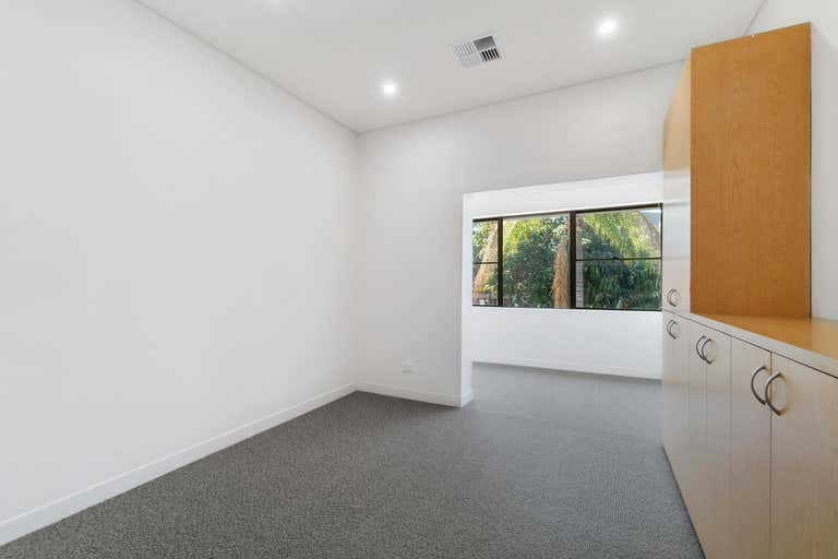 13/2 Waters Road Neutral Bay NSW 2089 - Image 2