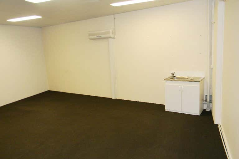 80m2 OFFICE BURLEIGH'S BEST VALUE - Image 2