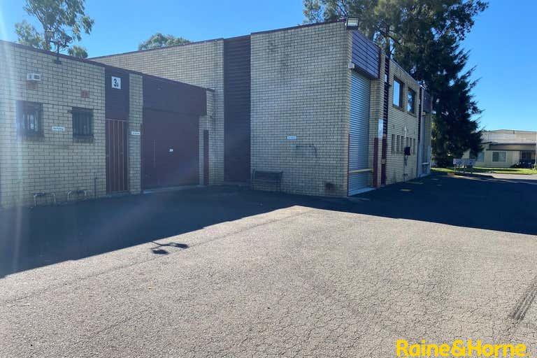 Unit 3A, 4 Louise Avenue Ingleburn NSW 2565 - Image 2