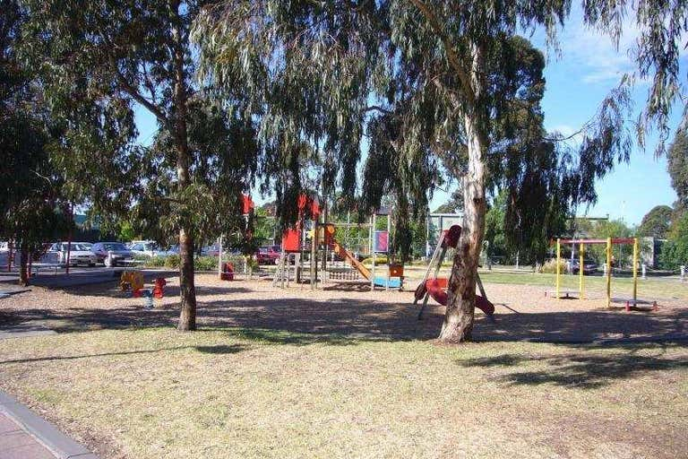 9 Moresby Court Heidelberg West VIC 3081 - Image 2