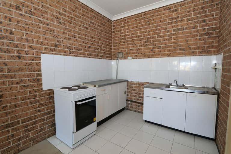 3/83a Hillcrest Avenue Hurstville NSW 2220 - Image 2