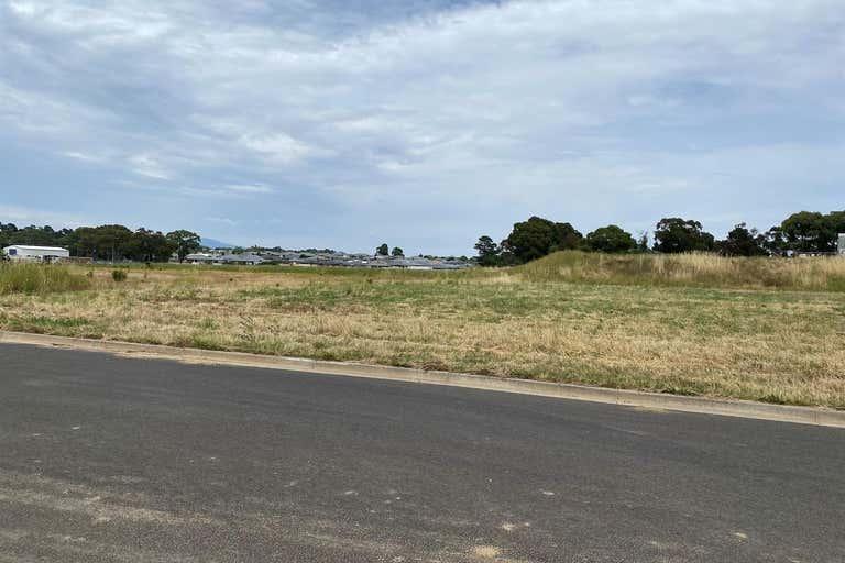 15 Strathgrove Way Orange NSW 2800 - Image 1