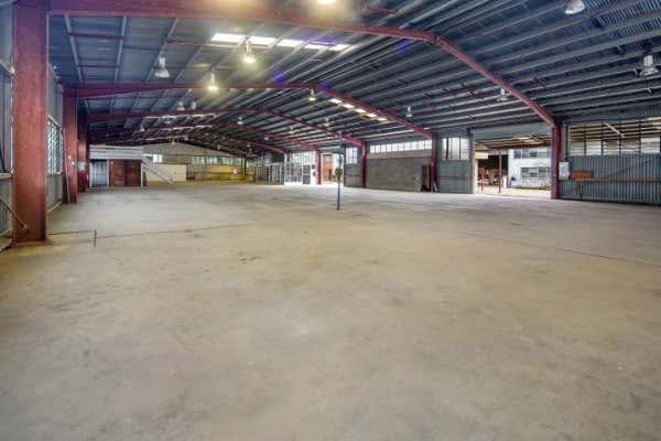 2 & 3/ 310 Fison Avenue Eagle Farm QLD 4009 - Image 1