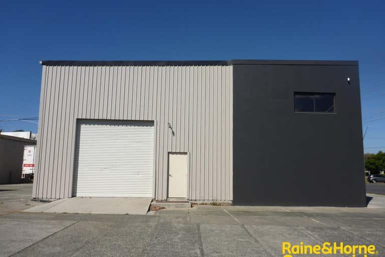(L) Unit 1, 99 Hastings River Drive (Cnr Newport Island Road) Port Macquarie NSW 2444 - Image 3